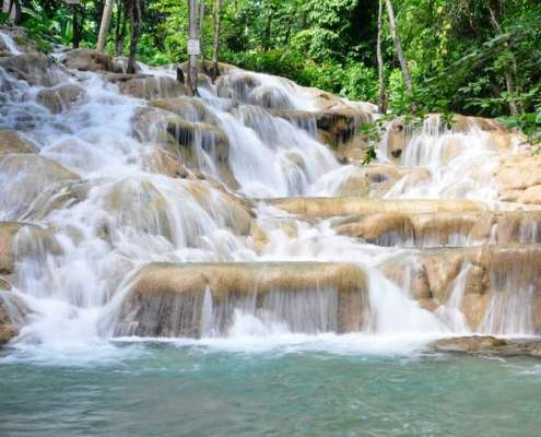 Places to visit in Jamaica - Dunn's falls