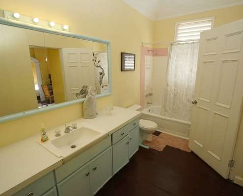 ensuite bathroom hotel rooms in Jamaica